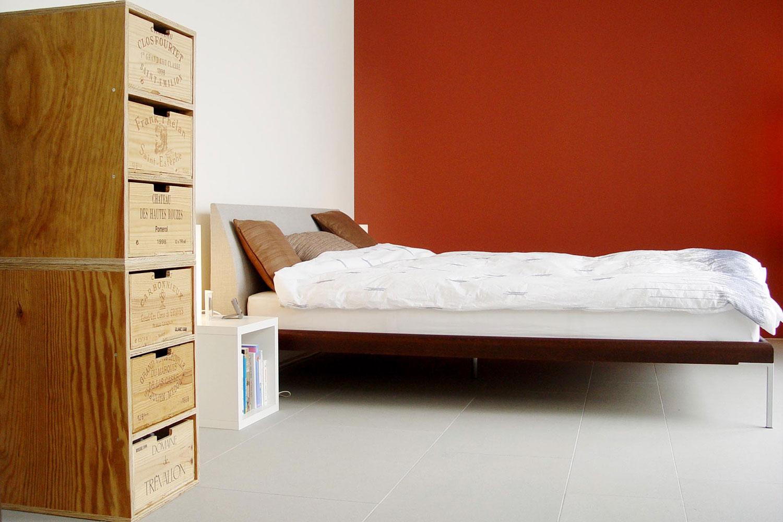 grandcube bietet m bel aus gebrauchten weinkisten berzeugende verbindung von recycling. Black Bedroom Furniture Sets. Home Design Ideas